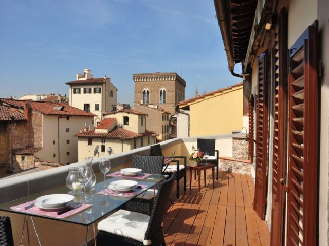 Florence S Charme Sleeps 2 In Historic Center