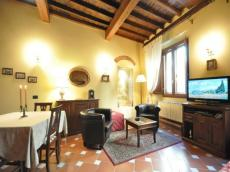 Begonia Apartment (sleep 2) in Florence city center