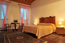 -Borgo Pinti apartment (sleeps 4) - In Florence city center