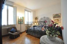 Sandrelli Apartment (sleeps 3+2) in Florence city center