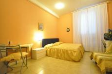 Sant'Ambrogio Studio (sleeps 2)